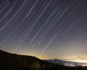 白羊座流星雨7日极大  每小时天顶流量可达30颗左右