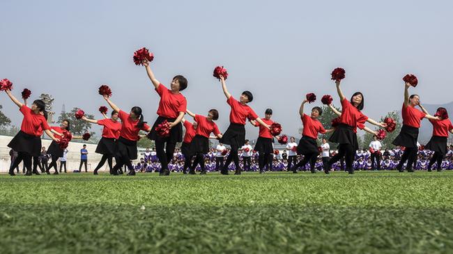 """薊州一中舉行""""五一國際勞動節""""教師舞蹈展演活動"""