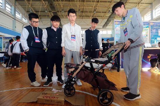 天津青少年秀出科技創意