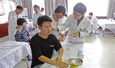 天津医专校内鲁班工坊体验中心开放