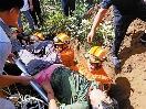 挖掘通道救援墜落水井老人