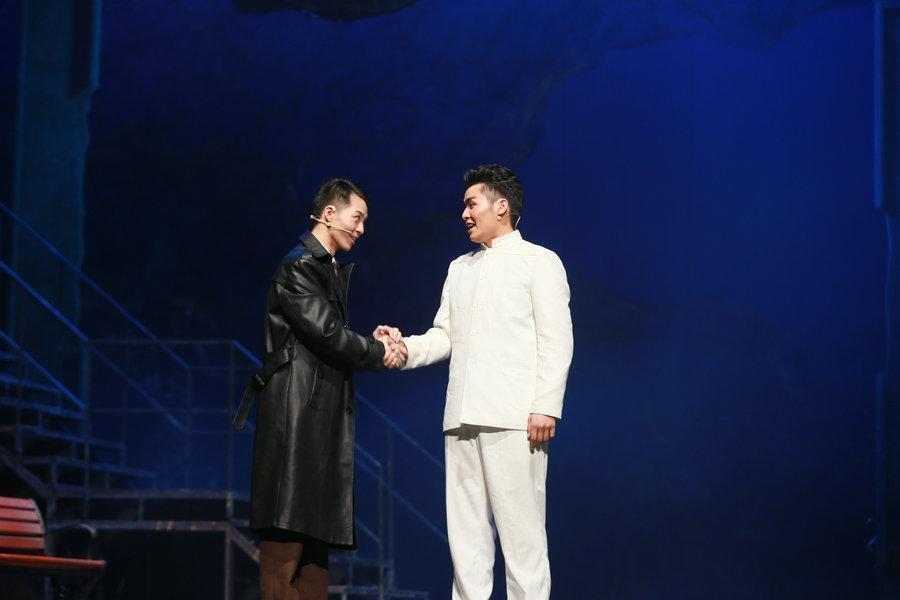 大型話劇《大江歌罷》在天津大劇院首演